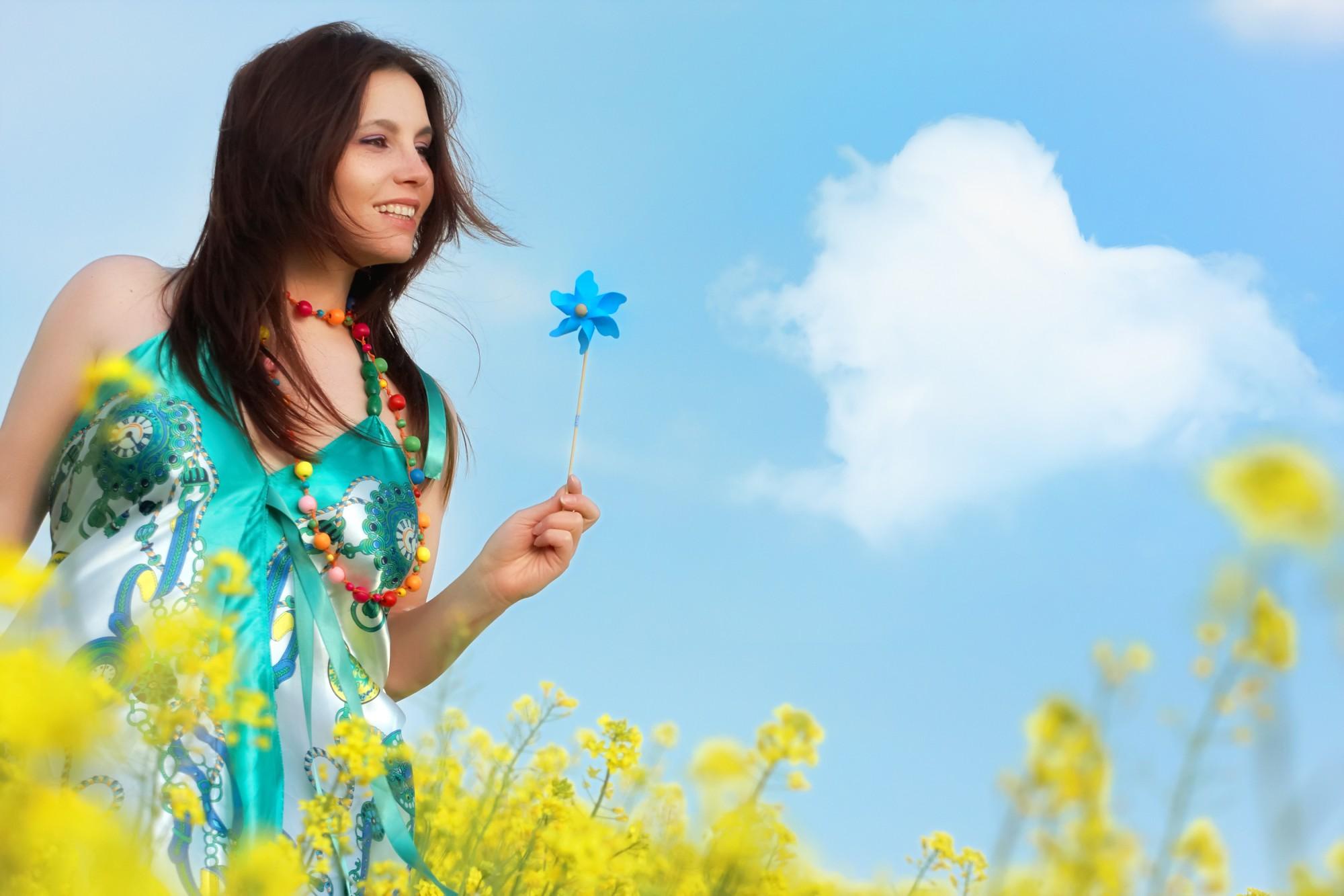 bigstock-beautiful-young-happy-woman-on-31779230-e1425338651520